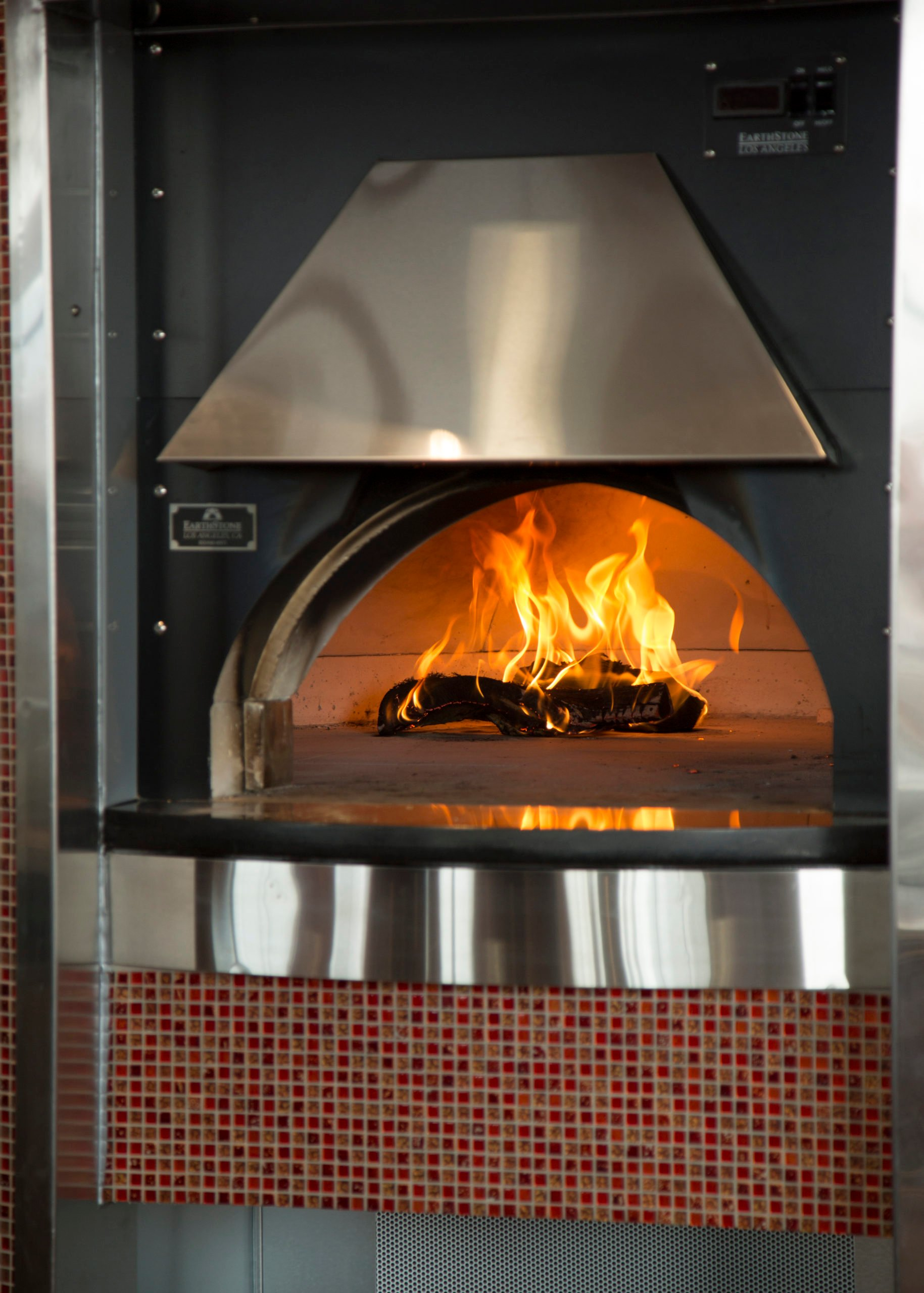 Five Benefits of a Wood-Fired Pizza Oven