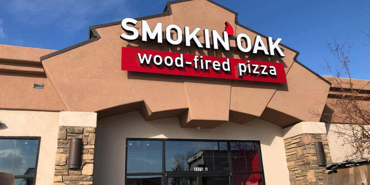 Exterior of Smokin Oak Wood-Fired Pizza in Grand Junction CO