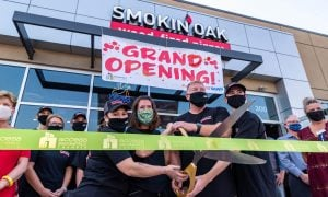 ribbon-cutting-smokin-oak-pizza-191